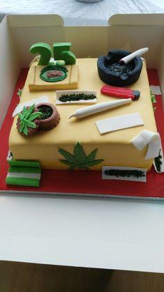Wonderful Photo of Marijuana Birthday Cake 25 + wunderbares Foto des Marihuana-Geburtstags Birthday Cakes For Men, Weed Birthday Cake, Men Birthday, Birthday Gifts, Happy Birthday, Bolos Bob Marley, Decoration Patisserie, Pinterest Cake, Puff And Pass
