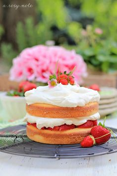 Strawberry Cake #strawberries #foodstyling