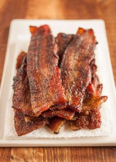 How To Make Your Own Sodium-Free Bacon For people on a low-sodium or salt-free diet, this is bacon that looks, smells, and tastes like the real thing - and it only takes an hour. No Sodium Foods, Low Sodium Diet, Low Sodium Recipes, Diet Recipes, Cooking Recipes, Kidney Recipes, Low Carb, Low Sodium Snacks, Bacon Recipes