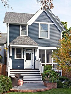 Freshen your home's exterior and boost your curb appeal with a brilliant new palette of siding colors. /