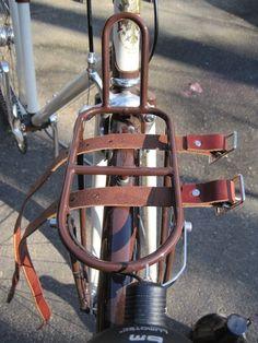 straps.