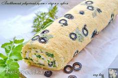 Бисквитный закусочный рулет с яйцом и луком