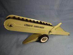 Structo Sandloader Pressed Steel Toy