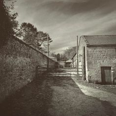 Farmyard #farmyard #farm #yard #agriculture #CAP #empty #brexit #blackandwhite #blackandwhitephotography #blackandwhitephoto #blackandwhitefarm #bnw #bnw_photography #bnw_captures #bnwbrexit #monochrome #monochromatic #monotone #uk