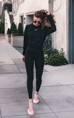 Cute sporty outfits, casual school outfits, cute workout outfits, workout a Cute Sporty Outfits, Nike Outfits, Sport Outfits, Casual Outfits, Fashion Outfits, Cute Athletic Outfits, Cute Legging Outfits, Heels Outfits, Sporty Look