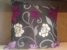Vankúš dekoračný 40x40 cm, šedý s kvetinovým vzorom
