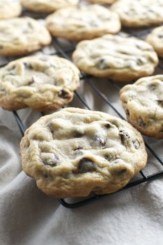 Bakery Style Chocolate Chip Cookies - Stuck On Sweet - - Perfectly baked chocolate chip cookies that are slightly crispy and chewy with the perfect amount of chocolate chips. Chocolate Chip Cookies Rezept, Best Chocolate Chip Cookie, Chocolate Cake, Recipes With Chocolate Chips, Mrs Fields Chocolate Chip Cookies, White Chocolate, Cookie Recipes, Dessert Recipes, Cookies