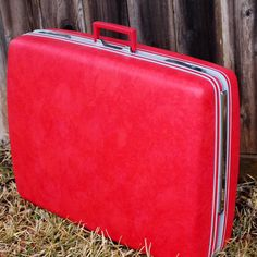 Large 27 HOT PINK Rolling Sears Courier Suitcase - Awesome Condition - Its Got Wheels!!