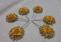 New in!!! Gota floral juda pins #gota #gotajewelleryformehndi  #mehendifavours #giveawaygifts #weddingseason #weddings #thebiridalcollection #weddingplz #indear #wedmegood #gotajewellery #gotajewelleryinindia #gota #gotajewelleryformehendi #fashion #hairdo #hairpins #floraljewellery  #flowerjewelry #flowers  #india #dubaibride #indianbrides #indianjewellery #kundanjewellery #USA by barkaat.atelier
