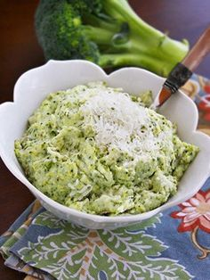 Asiago Mashed Potatoes and Broccoli #thanksgiving #food #recipe