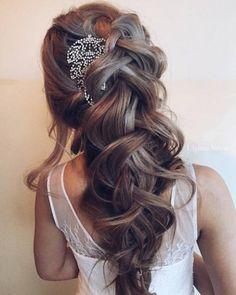 Ulyana Aster Romantic Long Bridal Wedding Hairstyles_10 ❤ See more: http://www.deerpearlflowers.com/romantic-bridal-wedding-hairstyles/2/