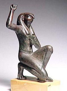 Âme de Pé, Bouto. Ministère de la Culture - Base Joconde - Objets et symboles de la mythologie égyptienne