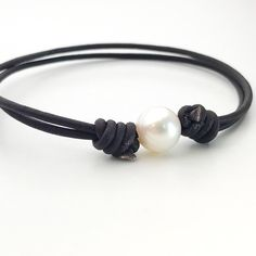 The perfect accessory for all of your summer adventures! Looks great #dressedup or #dresseddown ... Leather and white freshwater pearl bracelet / anklet. #pearlsarealwaysappropriate