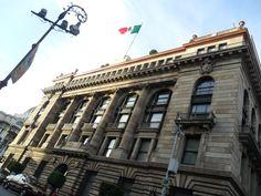 Caminando por Bellas artes el Banco de México, Ciudad de México