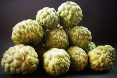 Known as sitaphal, custard apple is a fruit that is a pleasure to eat! With numerous health benefits, it's natural to ask: Can I give my Baby Custard Apple? Apple Benefits, Healthy Fruits And Vegetables, Freeze Dried Fruit, Graphic Design Software, Tropical Fruits, Freeze Drying, Delicious Fruit, Custard, No Cook Meals