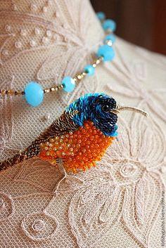 Купить Брошь KB15010 - бирюзовый, желтый, оранжевый, птичка, брошь, бусы, ручная вышивка
