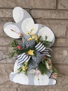 This Easter door hanger,bunny door hanger is just one of the custom, handmade pieces you'll find in our door hangers shops. Spring Crafts, Holiday Crafts, Diy Ostern, Ideias Diy, Hoppy Easter, Easter Bunny, Diy Ribbon, Easter Wreaths, Easter Crafts