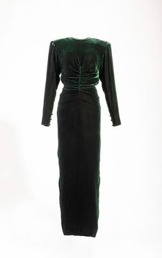 Victor Eelsteing green velvet gown for a private event in Toddler Princess Dress, Princess Diana Dresses, Princess Diana Fashion, Princes Diana, Toddler Dress, Velvet Gown, Lady Diana, Diy Dress, Designer Dresses