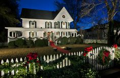 exterior holiday home Warming your Outdoor Home with Festive Holiday Decor