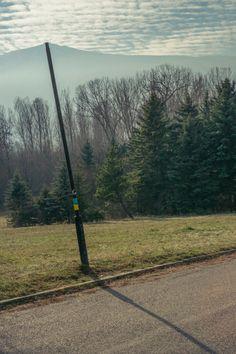 """El fotógrafo Denis Cherim empezó a tomar fotos para su proyecto """"Sólo para locos"""" cuando vivió en varios países por un año.   Estas fotografías muestran las coincidencias que hacen cada día sea mágico"""