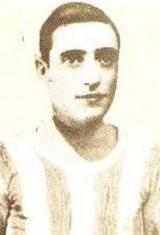 Pedro Themudo nasceu no dia nasceu no dia 21 de outubro de 1907. Filho de um tenente-coronel, Pedro Themudo também seguiu a carreira militar onde chegou a oficial do exército. A sua carreira de futebolista, ao serviço do Futebol Clube do Porto, durou dez temporadas, entre 1924/25 até 1933/34. Nesse período de tempo ajudou a conquistar os Campeonatos de Portugal de 1924/25 e 1931/32 e também dez Campeonatos do Porto. Themudo que era um defesa central de elevada estatura (diz-se que cerca de…
