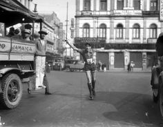1928, calle de Tacuba. Centro de la ciudad.