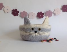 FELTED 'FUSSPOT' BOWL , desk tidy. ' Belle '. Grey and white. Cat .
