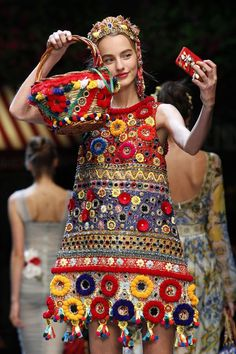 A detailed look at the Dolce & Gabbana runway selfie