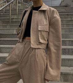 STYLE Corduroy short jacket Can Necklaces Mean a Pain in the Neck? Aesthetic Fashion, Aesthetic Clothes, Look Fashion, Korean Fashion, Fashion Design, 70s Fashion, Vintage Fashion, Mode Outfits, Casual Outfits