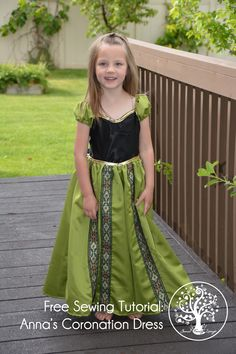 Easy princess dress sewing No little girl can have enough dress-up princess dresses. Anna& coronation dress has to be in there too. Make this fun to sew Frozen Anna Coronation Dress by using the free Costume Halloween, Carnaval Costume, Halloween Costume Patterns, Dress Up Outfits, Dress Up Costumes, Kids Outfits, Little Girl Dresses, Girls Dresses, Princess Dress Patterns