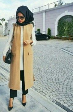 awesome Hijab spring street fashion by http://www.newfashiontrends.pw/street-hijab-fashion/hijab-spring-street-fashion/