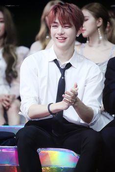 Kang Daniel Cr: to owner Eunji Apink, Ha Sungwoon, Daniel K, When You Smile, Youre Mine, Korean Celebrities, Album Bts, Jinyoung, Handsome