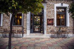 Σούζυ τρως: Το μαγαζί που πήρε το όνομα του από την χαρακτηριστική ατάκα της Ρένας Βλαχοπούλου στην «Παριζιάνα» έχει μικρό κατάλογο και διαλεχτές πρώτες ύλες.
