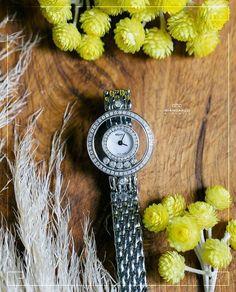 Если Вы стремитесь к изысканности и роскоши то в таком случае Вам следует обратить внимание на эти изящные женские часы с бриллиантами. Такие часы безусловно станут главным акцентом созданного образа превосходно подчеркнув женственность и хрупкость своей обладательницы!  Бриллианты - 044 карат /74 шт. #jewelry #diamonds #watches #beauty #women #giancarlogioielli #vscogood #vscobaku #vscocam #vscobaku #vscoazerbaijan #instadaily #bakupeople #bakulife #instabaku #instaaz #azeripeople #aztagram…