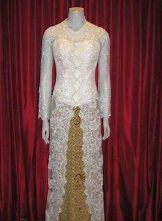 Kebaya Modern Dress, Kebaya Dress, Kebaya Brokat, Muslim Fashion, Hijab Fashion, Fashion Outfits, Fashion Ideas, Kebaya Wedding, Wedding Gowns