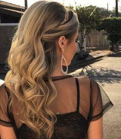 penteado de festa cabelo solto para madrinha de casamento  ou formanda