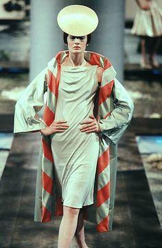 1998 - Alexander McQueen 4 Givenchy Couture show - Erin O Connor