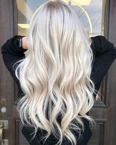 hair beauty - 15 Ash Blonde Hair Color Ideas To Show Off Fabulous Blonde Hair Color Blonde Foils, Icy Blonde, Brown Blonde Hair, Platinum Blonde Hair, Blonde Wig, Bright Blonde Hair, Platinum Blonde Highlights, Blonde Color, Blonde Hair No Roots