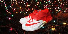 Special edition egg nog inspired version of the Nike KD 7 for kids. Kids Sneakers, Jordans Sneakers, Air Jordans, Kd 7, Egg Nog, Huaraches, Nike Huarache, Footwear, Inspired