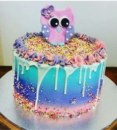 Vanilla sponge layers , butter cream and sprinkle . An a cute owl topper . Lucky I'd made two owls because this cake was short notice. 21st Cake, Vanilla Sponge, Cute Owl, Baked Goods, Owls, Sprinkles, To My Daughter, Layers, Butter