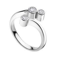 CASCADE ring - 18 kt. white gold with brilliant cut diamonds