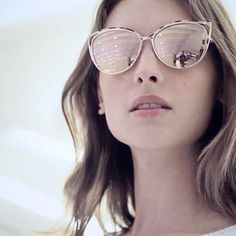 Cat-eye + rose-gold + mirrored lenses = the ultimate trifecta for sunnies this season Cool Glasses, Cat Eye Glasses, Fashion Accessories, Fashion Jewelry, Sunglasses Women Designer, Computer Glasses, Girls With Glasses, Classy And Fabulous, Love Fashion