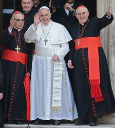 El papa Francisco acude a rezar a la Iglesia Santa María la Mayor en Roma