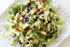 Detox Rainbow Salad - Cleanse, rehydrate, and nourish your body while you eat this fantastic and super easy to throw together salad. Great as a side or for lunch! It isn't super super tasty, but it does the job Nutritious Meals, Healthy Snacks, Healthy Recipes, Delicious Recipes, Avocado Recipes, Eat Healthy, Veggie Recipes, New Years Detox, Clean Eating Recipes