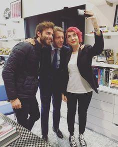 #LapoElkann Lapo Elkann: @openspaceit oggi nel mio ufficio per parlare di giovani e lavoro. In TV domenica alle 21.25 su Italia 1