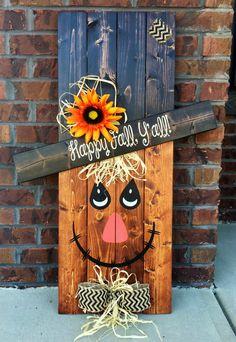 Épouvantail réversible bonhomme de neige, signe de palette, porche Decor, signe de porche, décoration saisonnière, signe réversible Très joli décor saisonnier réversible épouvantail/bonhomme de neige ! Utilisation que tous d'automne et l'hiver, tout simplement retourner le signe ! Utiliser année après année ! Ces signes de palette sont poncés, peint, teintés et scellés. Utilisation en intérieur/extérieur. Pour de meilleurs résultats, utilisez la région couvert à l'extérieur. Parfait pour…