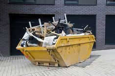 Why Hiring a Company to Remove Junk is Better Than Having a Dumpster