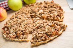 Apple Crisp Pizza with Caramel Sauce