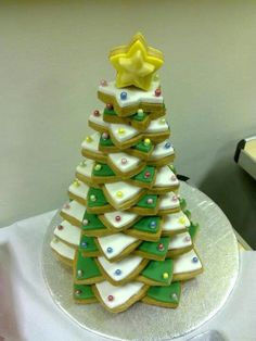Biscuits tree tower Christmas Ideas, Xmas, Towers, Biscuits, Sweets, Baking, Holiday Decor, Creative, Food