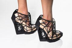Geometric wedge heels / ANDREIA CHAVES